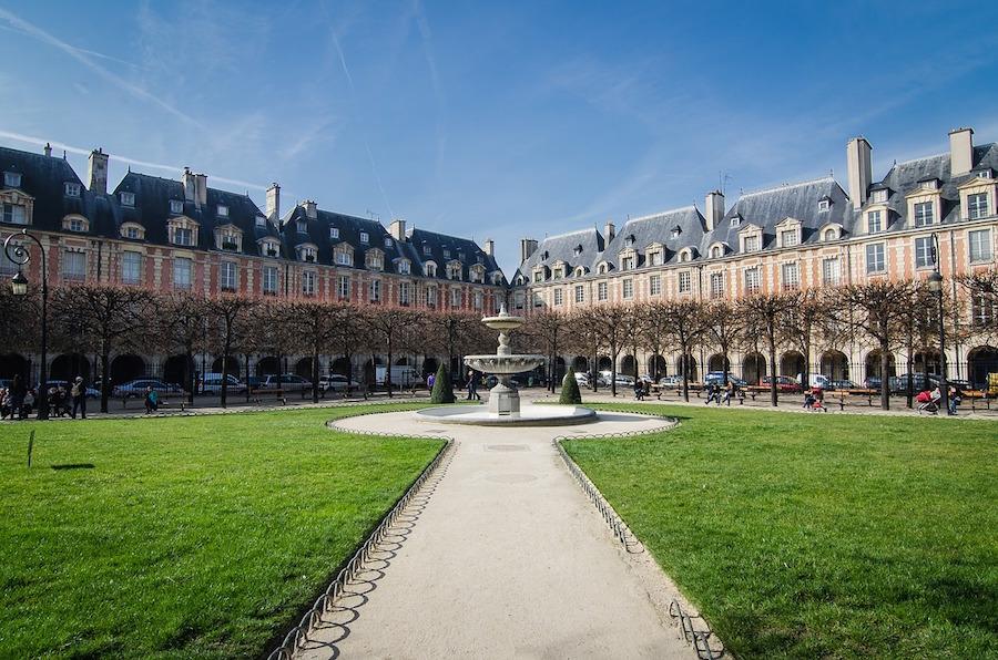 place des vosges jardin paris