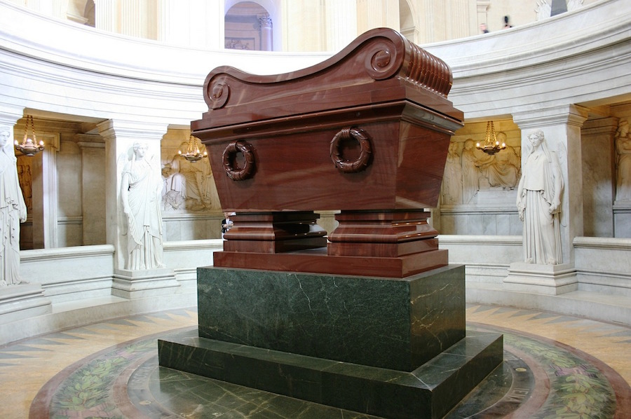 tombe napoleon invalides paris