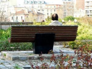 dans le jardin des sentuers du parc georges brassens
