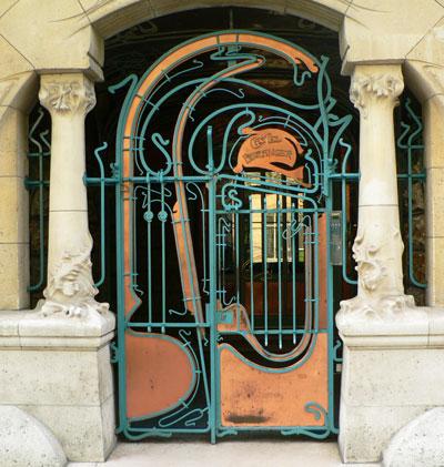 immeuble-rue-la-fontaine-porte