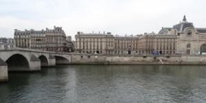 Façade du musée d'Orsay et de la Seine