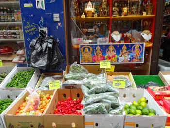 Etale d'une épicerie Indienne