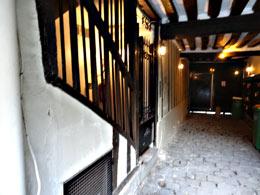 cour intérieure d'époque médiévale