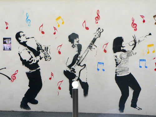 mur graffé, butte aux cailles, paris