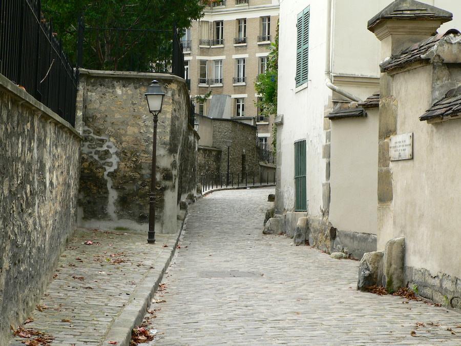 rue berton 16e paris