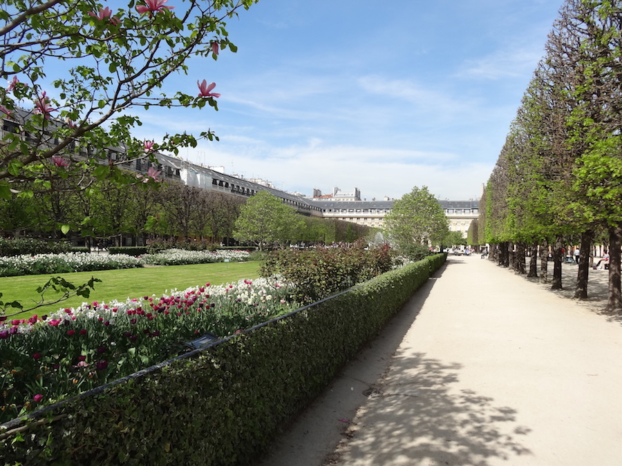 palais royal jardin paris