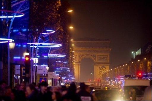 Vue des Champs-Élysées et de l'Arc de Triomphe