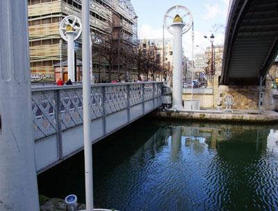 pont levant rue de crimee paris