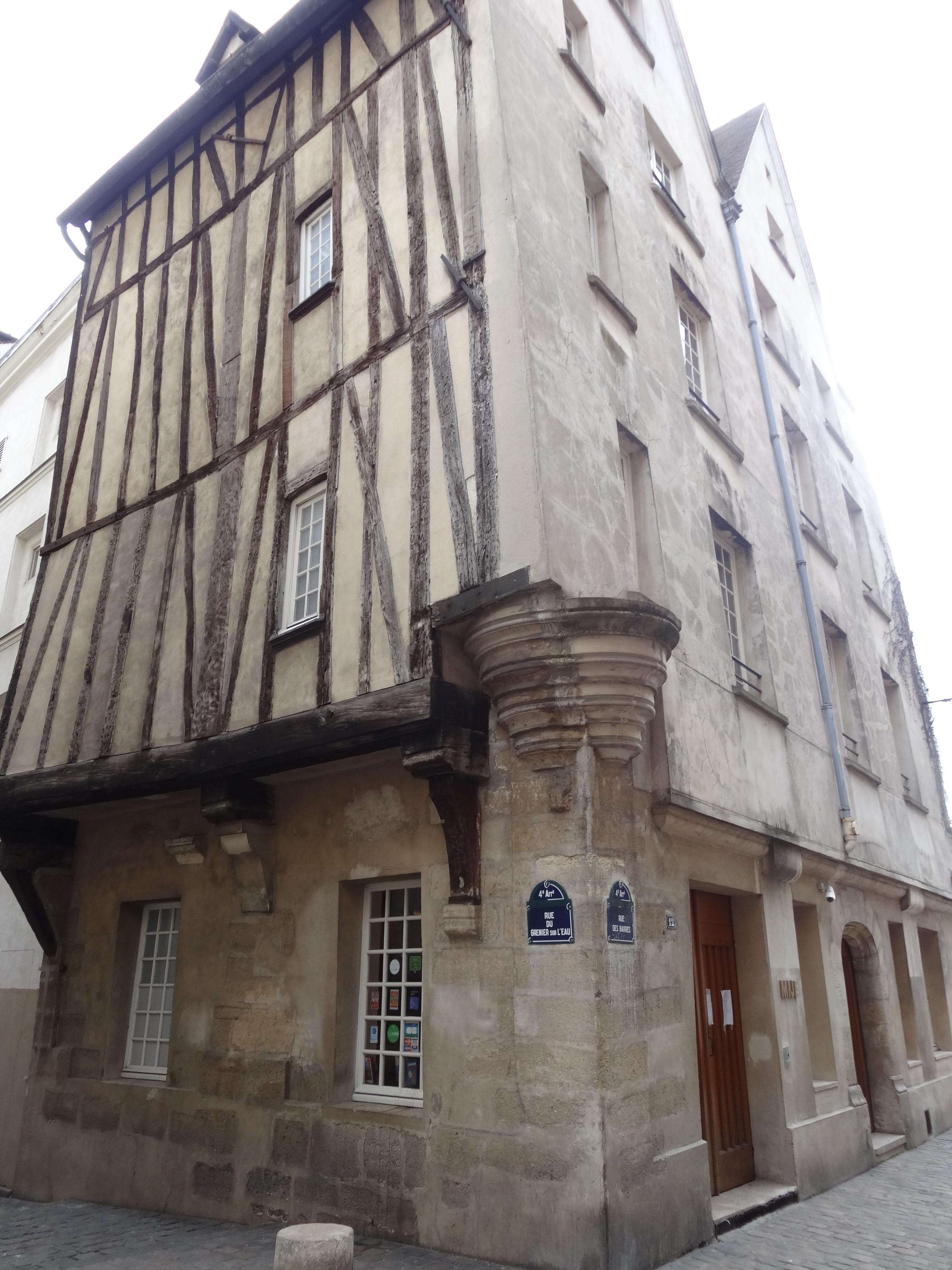 rue du grenier sur leau paris