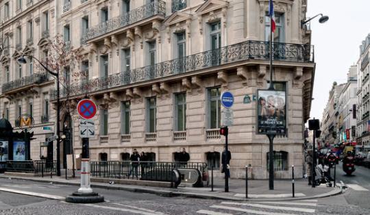 Comment Reconnaitre Un Immeuble Haussmannien Un Jour De Plus à Paris