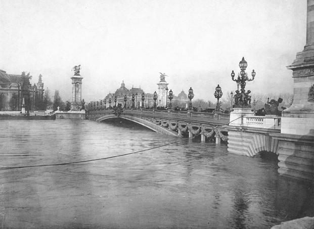 crue 1910 paris pont alexandre III