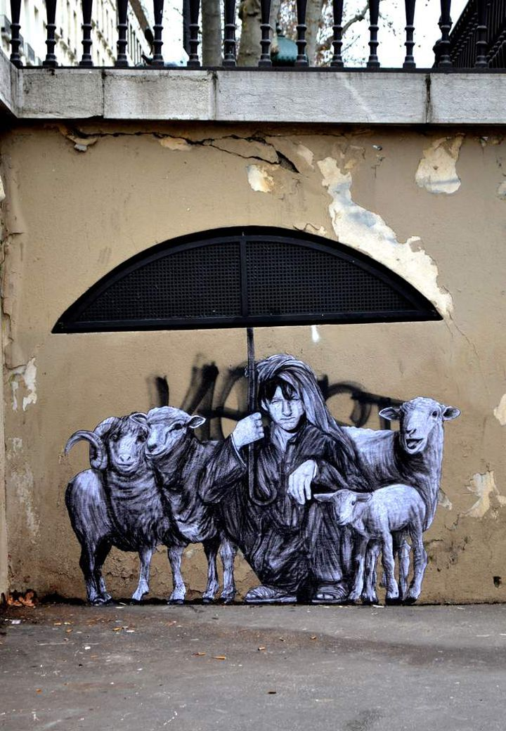 street art paris levalet
