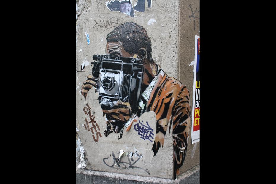 street art paris papier
