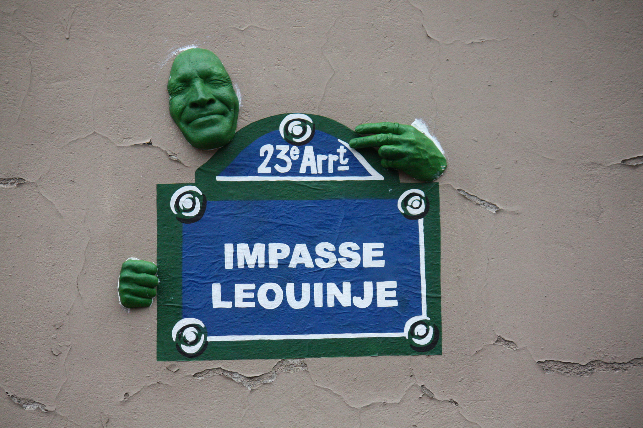 street art paris space gregos
