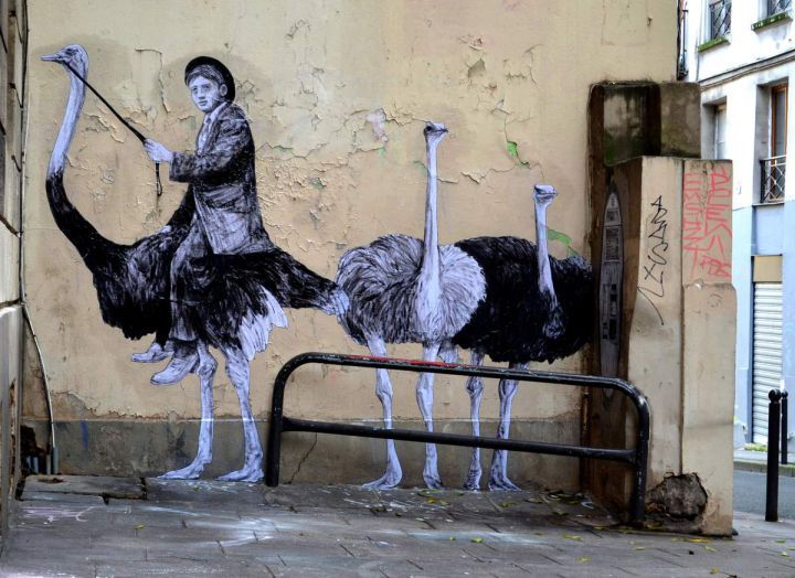 street art paris space levalet 1