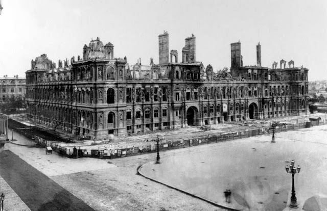 18 mars 1871 - Début de la Commune de Paris Photo-ruine-hotel-de-ville-commune-de-paris