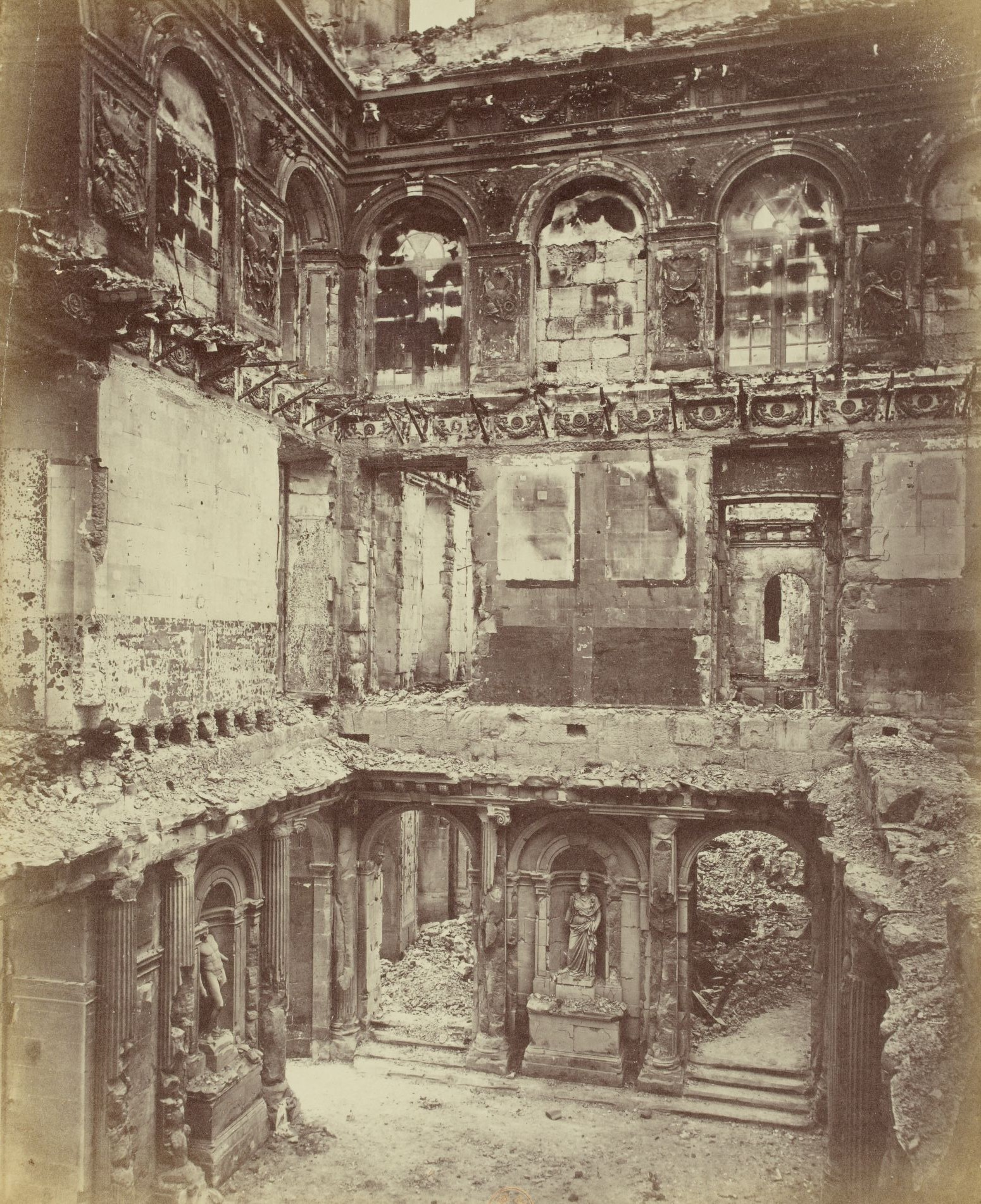 18 mars 1871 - Début de la Commune de Paris Photo-ruine-hotel-de-ville-commune-paris
