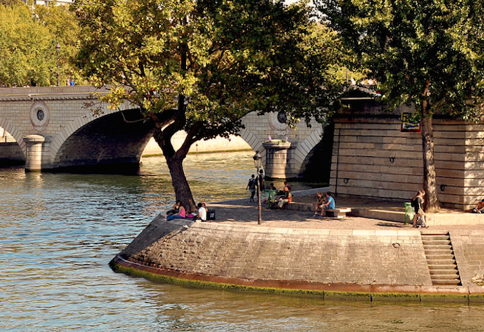 quai ile saint louis paris photo