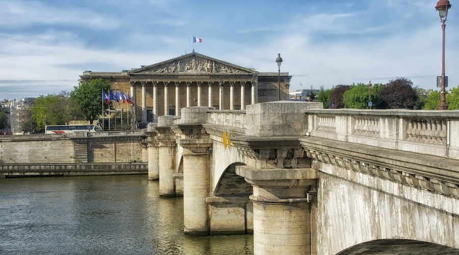 8 Anecdotes Insolites Sur Les Ponts De Paris Un Jour De