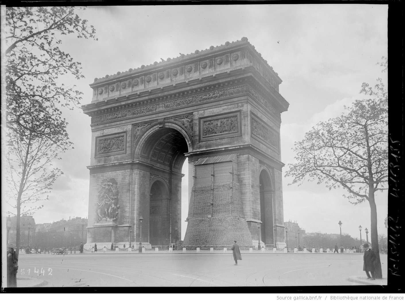 Arc de triomphe bombardements paris 1918