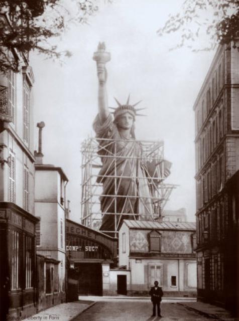 assemblage statue liberte paris 17