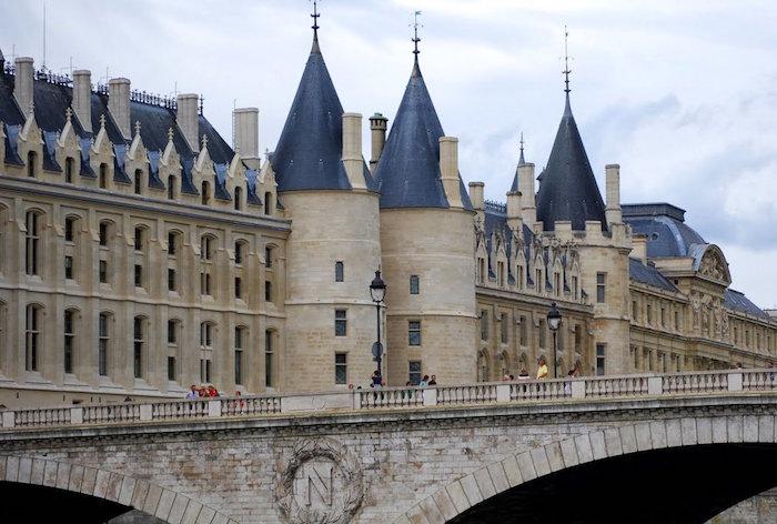 conciergerie monument paris