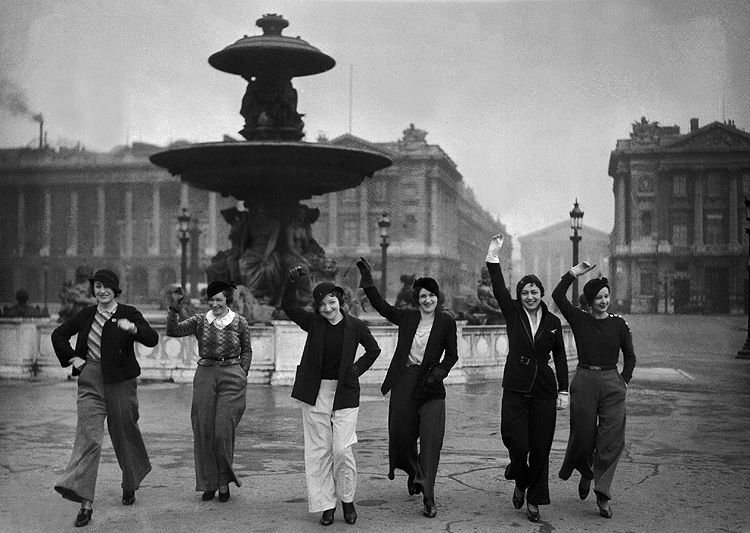 1933 premieres femmes pantalon
