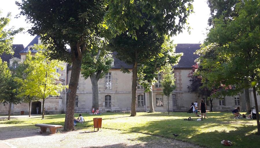 jardin hopital saint louis