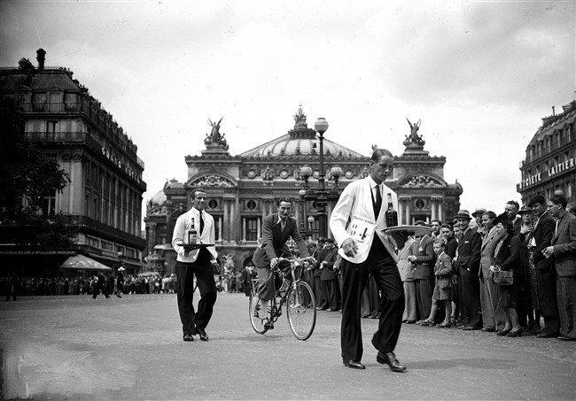 course des garcons de cafe opera 1941