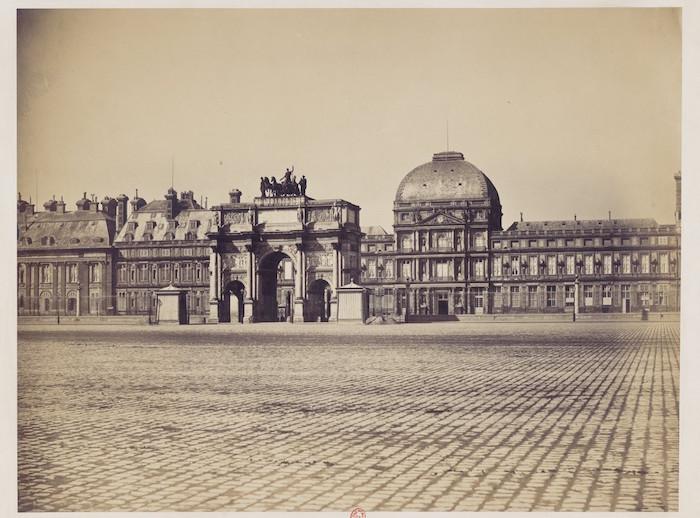 L'Arc de Triomphe et le Palais des Tuileries, 1859,  Gustave Le Gray. Bibliothèque Nationale de Franve.