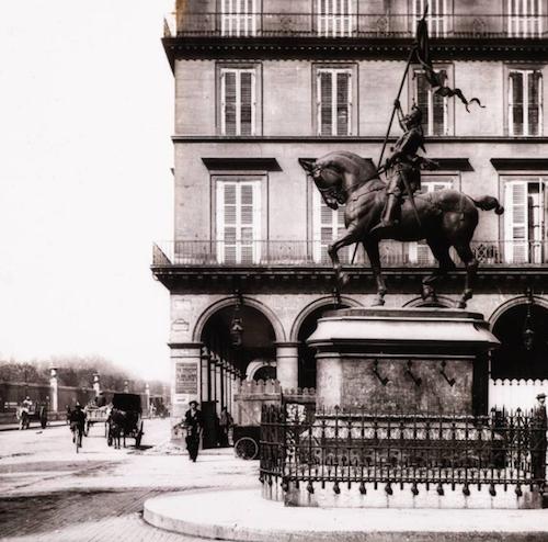 Première statue,1880