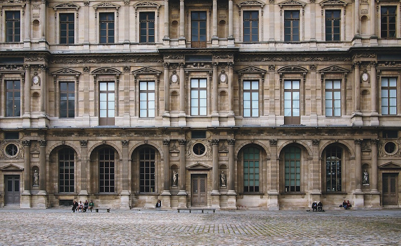 louvre cour carree