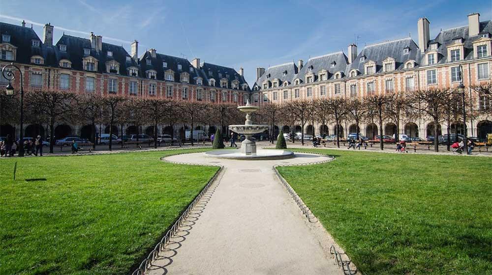 place-des-vosges-jardin-paris