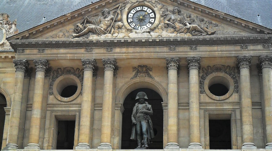 Napoleon's statue : the long journey to the Invalides