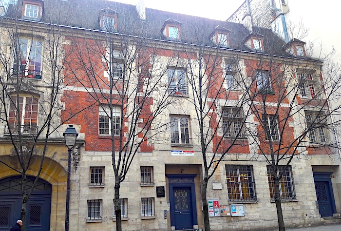 maison jacques coeur rue des archives