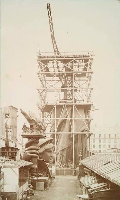statue de la liberte structure eiffel