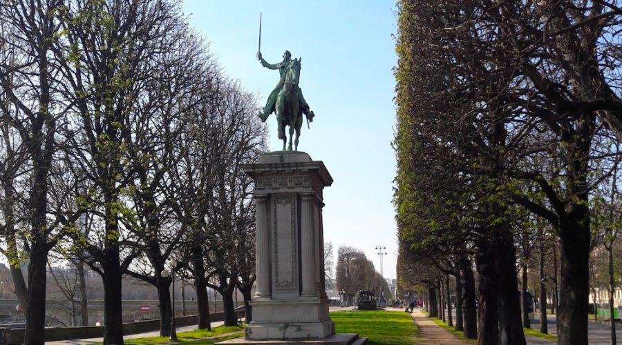 Le détail insolite du monument à La Fayette