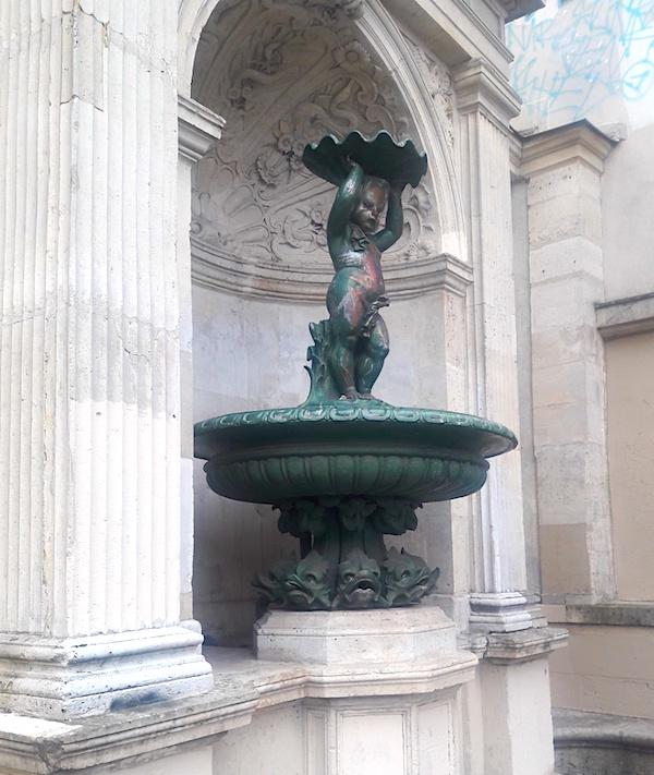 statue victor hugo paris
