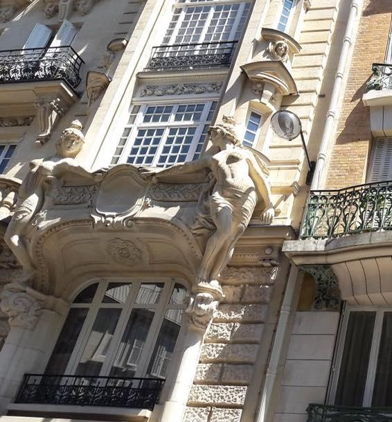 cariatide rue d'abbeville
