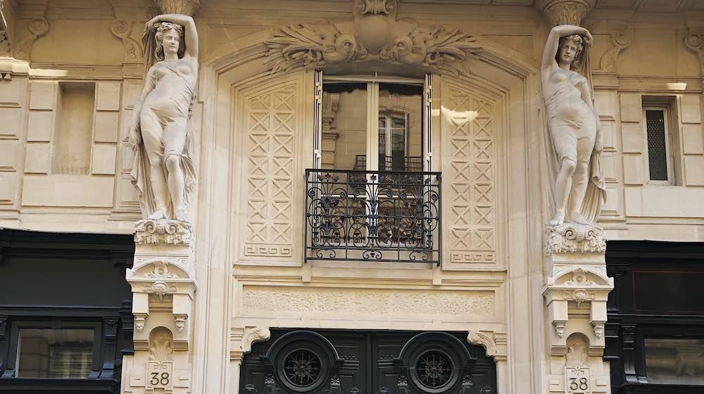 histoire cariatides architecture